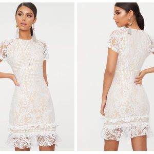 PRETTY LITTLE THING - lace body con dress